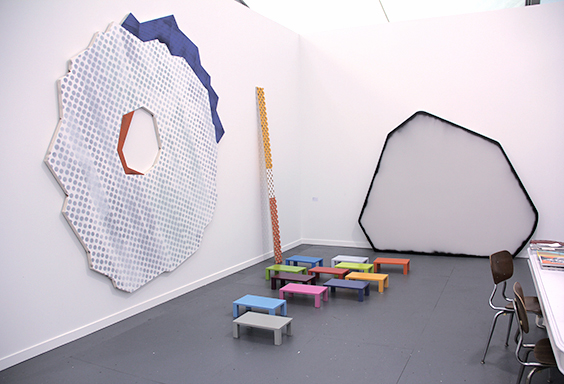 A18_FRIEZENY2013_A18_Galerie_Francesca_Pia_Zurich_02