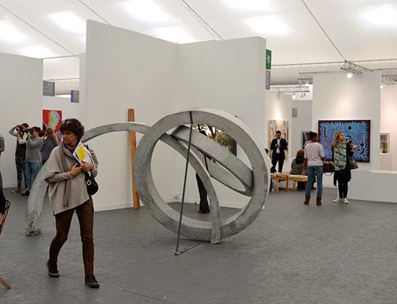 Andrian-Villar-Rojas---Marian-Goodman-Gallery_web