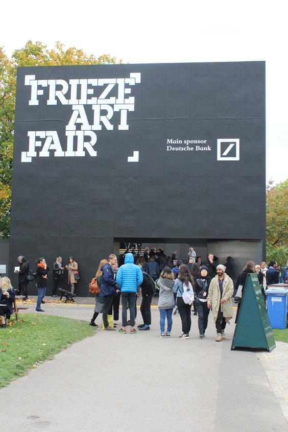 Frieze-London-2105-entrance-(2),-photo-Guy-Sangster-Adams