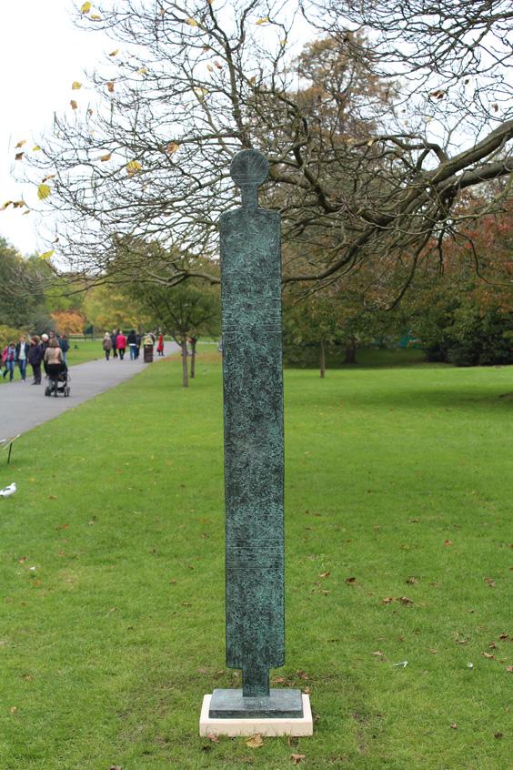 William-Turnbull,-Large-Female-Figure,--Frieze-Sculpture-Park,-Freize-London-2105,-photo-Guy-Sangster-Adams